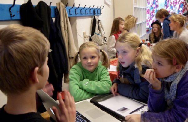 Projektopg rød - blå børn gæster